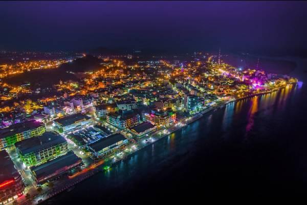 Vẻ đẹp thành phố 2 tháng tuổi của Kiên Giang