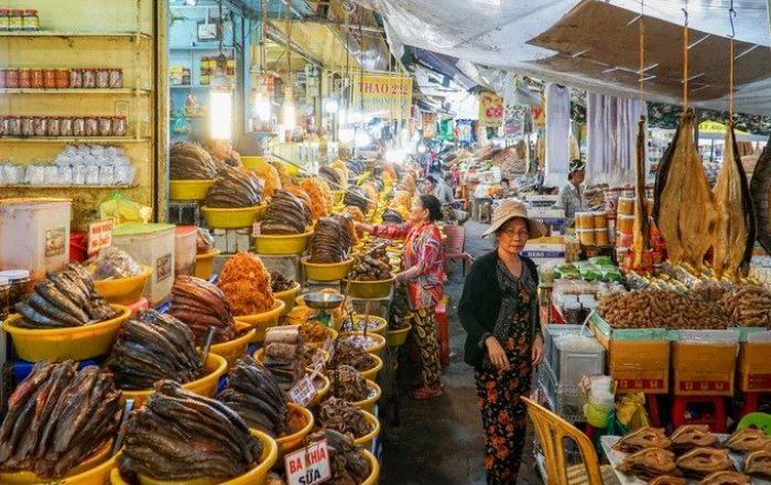 Chợ Châu Đốc chuyên đặc sản mắm vùng biên giới miền Tây - kysudulich.com
