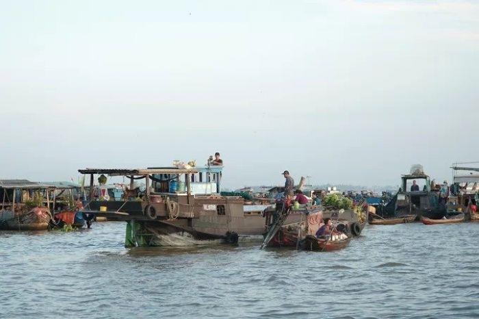Cuối tuần check-in chợ nổi, hàng thốt nốt trong chuyến du lịch miền Tây - kysudulich.com