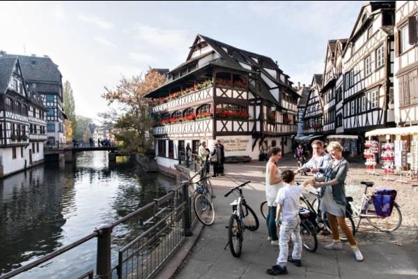 Phố cổ Hội An và những cung đường đạp xe lý tưởng nhất thế giới
