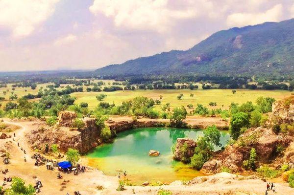 Hồ Tà Pạ - Tuyệt tình cốc tại An Giang