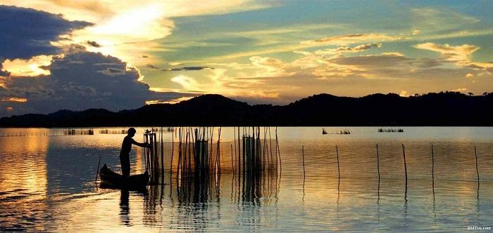 Ăn gì, chơi gì khi đi du lịch hồ Lắk