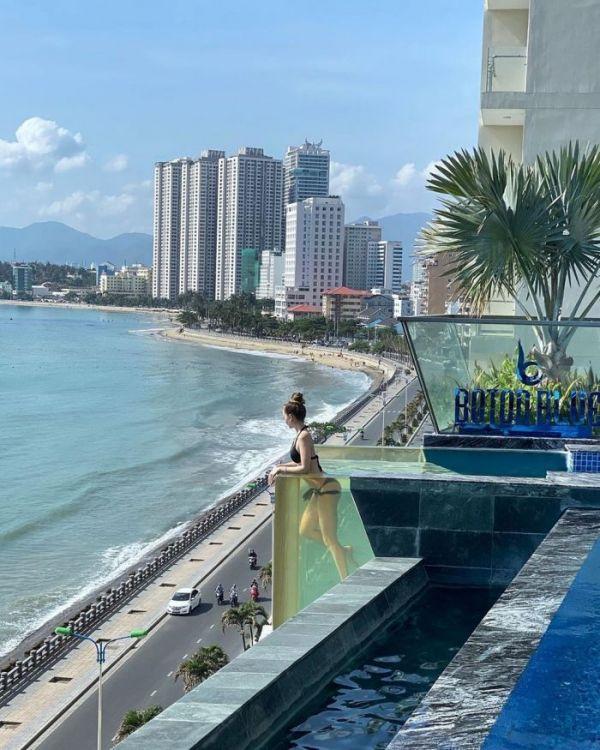4 hồ bơi vô cực view tầng cao sang chảnh ở Nha Trang