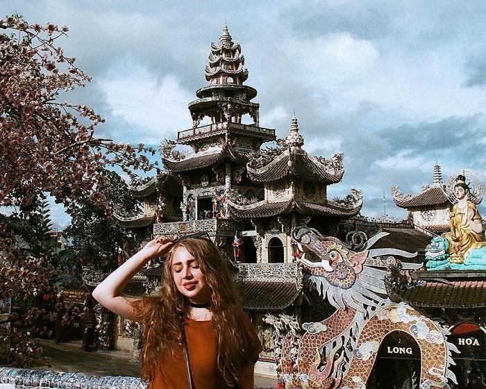 Cùng thăm quan những ngôi chùa cổ kín, nổi tiếng tại Đà Lạt _ Chùa Linh Phước