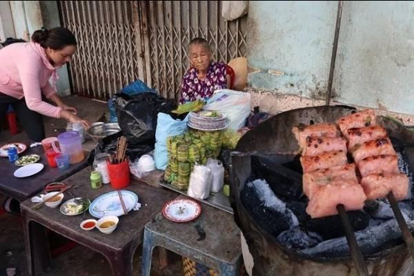 Địa chỉ cuối tuần: 3 quán nem nướng Nha Trang có tiếng