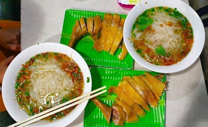 Hủ tiếu gà Hồng - địa chỉ ăn hủ tiếu ngon ở Đà Lạt
